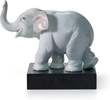 LLADRÓ Lucky Elephant Figurine. Porcelain Figure Figure.
