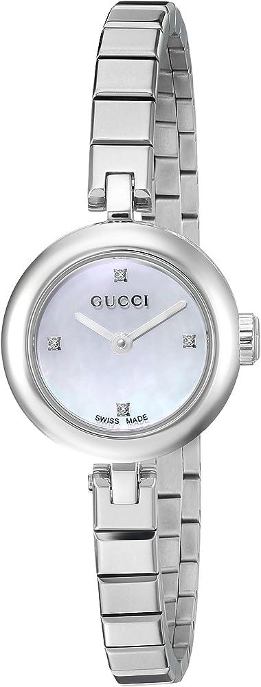 Gucci, orologio da donna, in acciaio argentato, quadrante in madreperla, con incastonati 4 diamanti YA141503