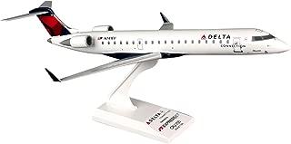 Daron Skymarks Delta Connection CRJ700 Expressjet, 1/100-Scale