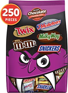 SNICKERS, TWIX, MILKY WAY, 3 MUSKETEERS & Milk Chocolate M&M'S Halloween Candy Bars Variety Mix 96.2-Ounce 250 Count (Pack...