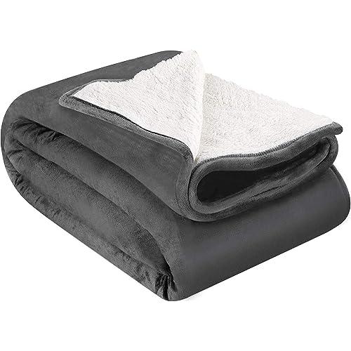 Utopia Bedding Couverture Plaid Peluche Effet Mouton Réversible (200 x 150 cm) - Couverture de lit Super Chaude - Couverture de canapé Confortable et légère (Gris)