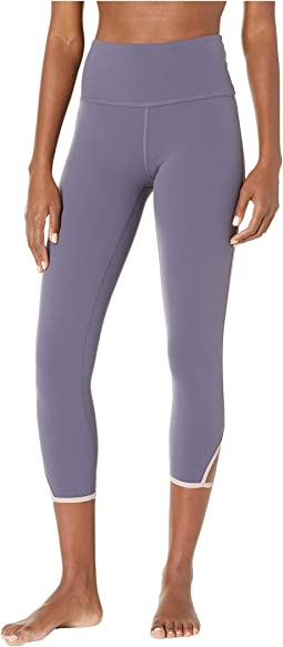 Slip Open High-Waisted Capri Leggings