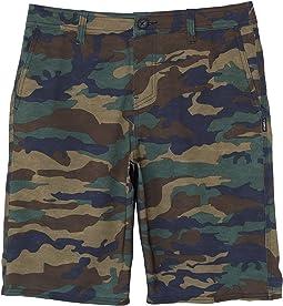 Reserve Solid Hybrid Series Shorts (Big Kids)