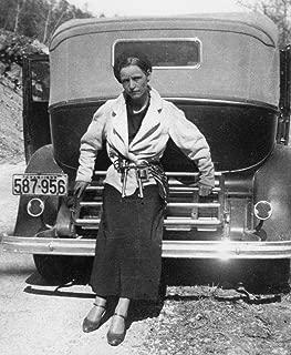 Bonnie Parker Bonnie and Clyde Gun Pistols American Gangsters Photo Art 8x10