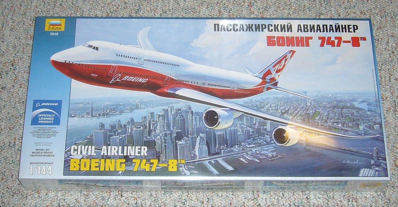 Zvezda Models 1 144 Boeing 7478