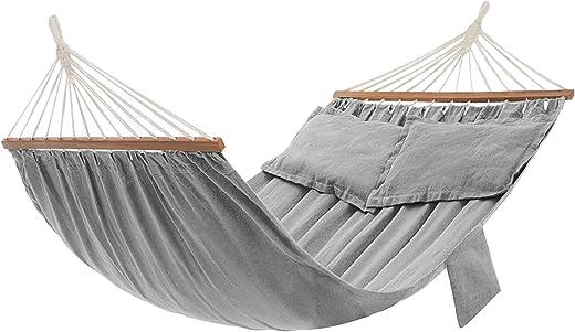 SONGMICS Hängematte, Outdoor, mit 2 Holzstangen, mit 2 Kissen, bis zu 300 kg belastbar, 210 x 150 cm, grau GDC022G01