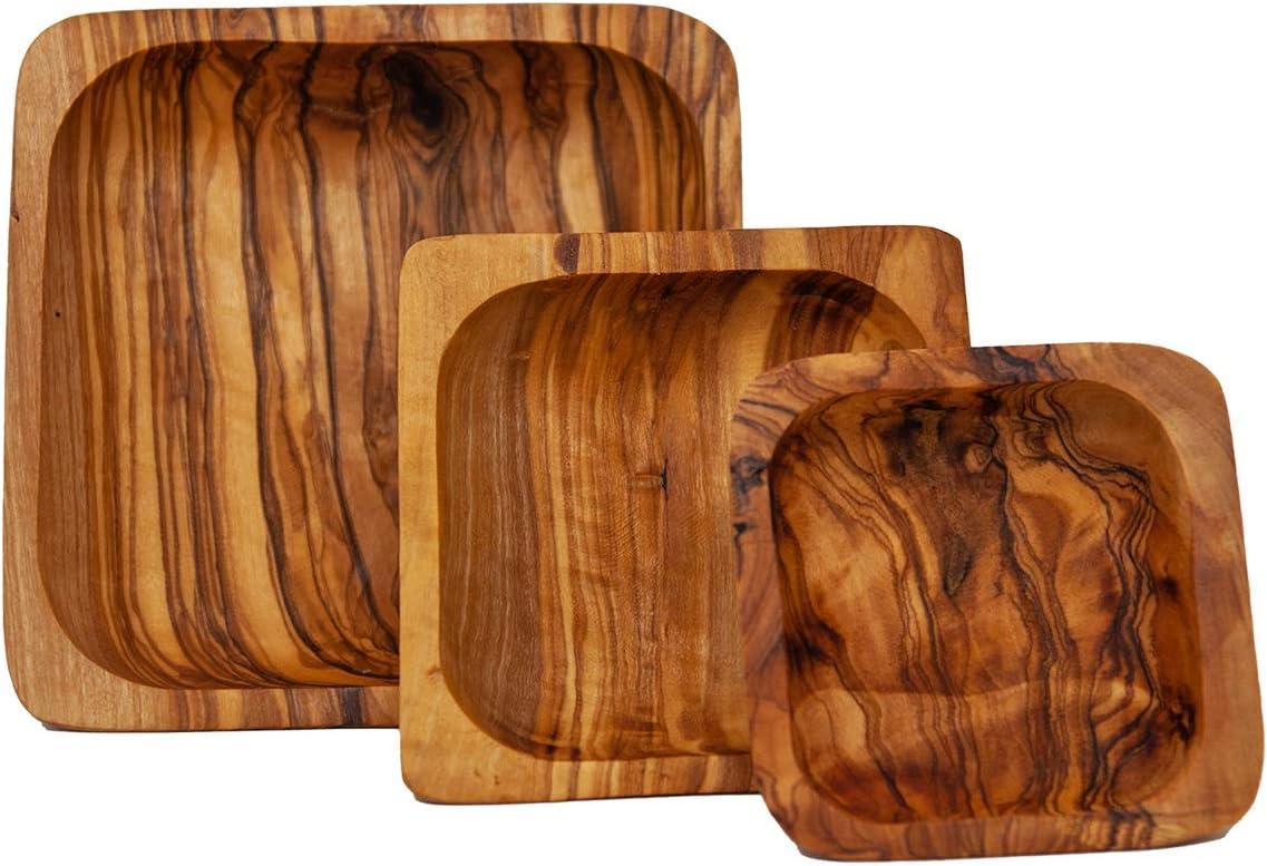 Bonito juego de 3 cuencos cuadrados de madera de olivo.