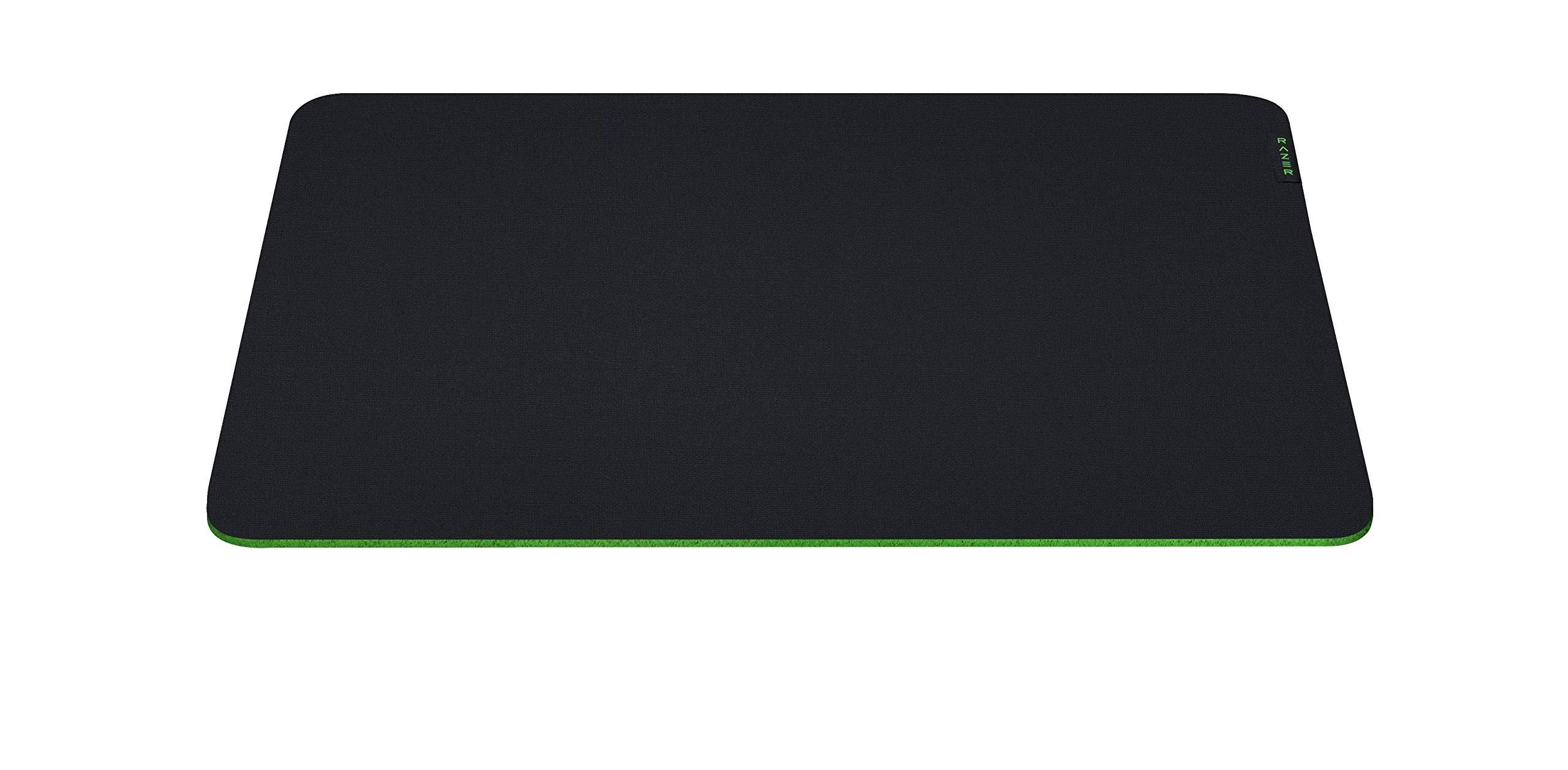 Razer Gigantus V2 – M ゲーミングマウスパッド 布タイプ 小型サイズ 36 cm x 27.5 cm マイクロウェーブクロス 【日本正規代理店保証品】 RZ02-03330200-R3M1
