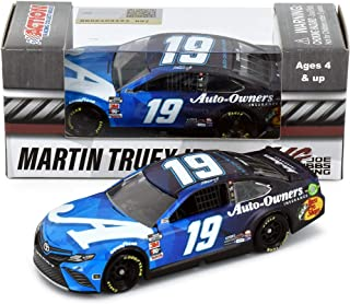 Lionel Racing Martin Truex Jr 2020 Auto Owners NASCAR Diecast Car 1:64 Scale