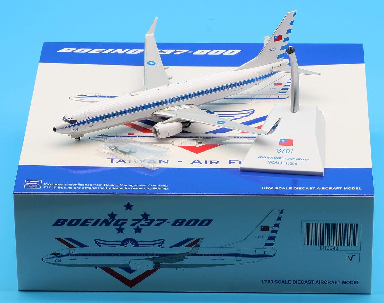 Sales JC Wings 1:200 LH2243 Taiwan Air Diecast Memphis Mall Force B737-800 Aircraft