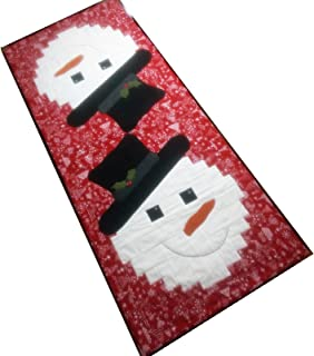 Snowman Runner Curvy Log Cabin Quilt Pattern, by Cut Loose Press and Natural Comforts Quilting