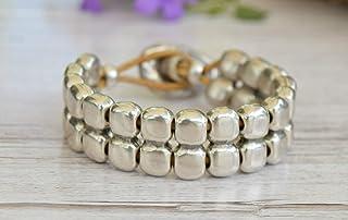 Bracciale con perle argento, bracciale in pelle e zama argento per donne in stile ibizan