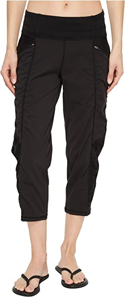 On the Go Mid-Rise Crop Pants