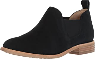 f9b0d05f056 Amazon.com  CLARKS - Ankle   Bootie   Boots  Clothing