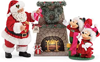 Department 56 Possible Dreams Santas Mickey and Minnie's Wreath Figurine, 10.5