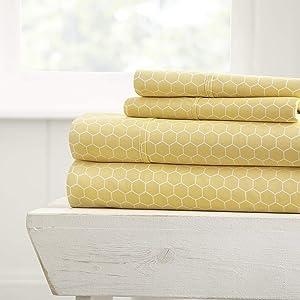 Linen Market Ultra Soft 4 Piece Bed Sheet Set, QUEEN, Honeycomb Yellow