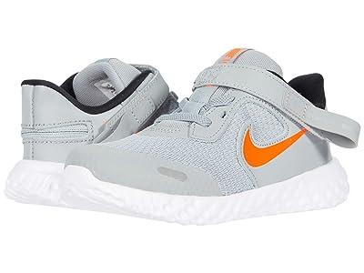 Nike Kids Flyease Revolution 5 (Infant/Toddler) (Light Smoke Gray/Total Orange) Kid
