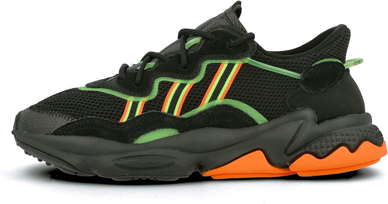 Puede ser calculado Español Santo  Amazon.com | adidas Men's Ozweego | Shoes