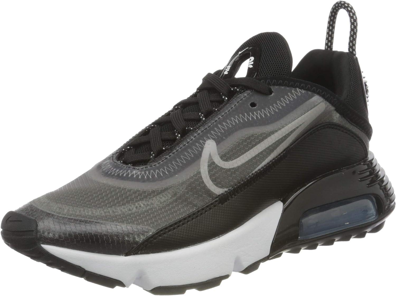 Fresno Mall Max 67% OFF Nike Women's Race Shoe Running