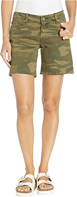 Roll Up Shorts in Classic Camo
