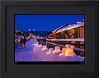 【写真工房アートフォト 額装写真】 小樽運河 - 雪あかりの路/北海道 小樽市(ブラック 大判サイズ 557mm×442mm)