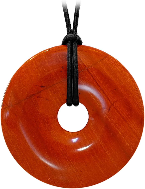 Kaltner Präsente Idea de regalo – Collar de cuero para hombre y mujer con colgante de donut de piedra preciosa jaspe rojo (40 mm de diámetro).