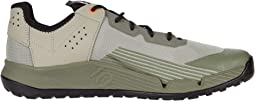 Feather Grey/Black/Signal Coral