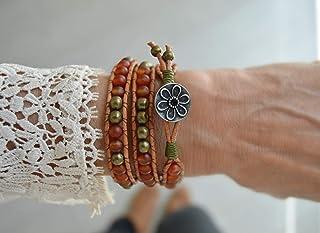 Wrap bracciale bohemien di pietre e pelle in arancione, pietre curative.
