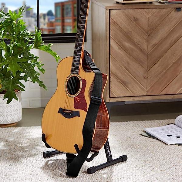 Amazonベーシック ギターストラップ エレクトリック/アコースティックギター/バス用 調節式 PUレザーエンド ソフトタイプ ピック2個付き ブラック