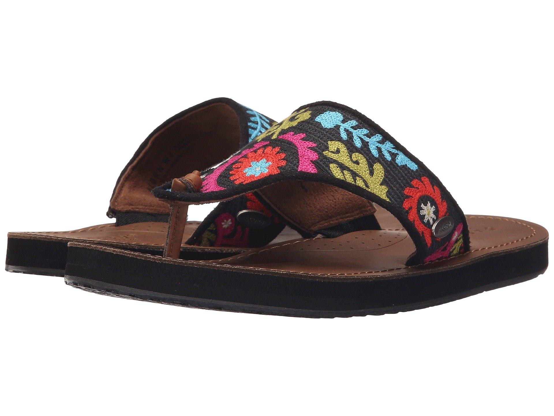 Acorn artwalk leather flip at zappos pair nvjuhfo Choice Image