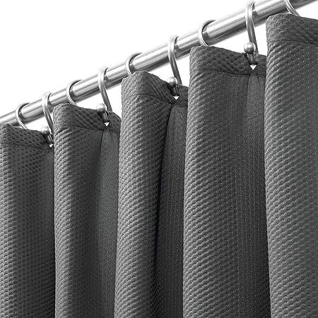 mDesign - Cortina de ducha de tela de fácil cuidado con ojales reforzados, diseño de damasco largo decorativo, para duchas de baño, puestos y bañeras, lavable a máquina, 183 x 213 cm, Gris carbón, Paquete de 1