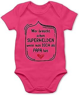 Shirtracer Vatertagsgeschenk Tochter & Sohn Baby - Wer braucht Schon Superhelden wenn Man Dich als Papa hat - Baby Body Kurzarm für Jungen und Mädchen