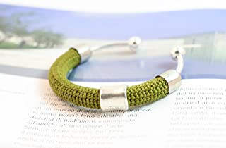 Bracciale rigido in cotone verde lavorato crochet - Matitie