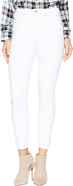 Petite Ami Skinny in Optic White