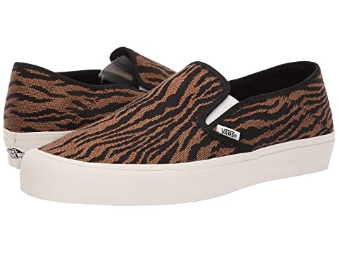 e0772f8162deb3 Vans Slip-On SF at Zappos.com