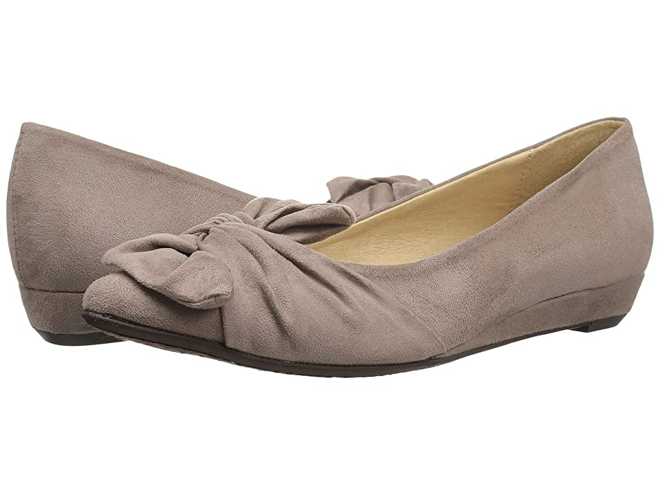CL By Laundry Super Cute (Pebble Taupe Suede) Women