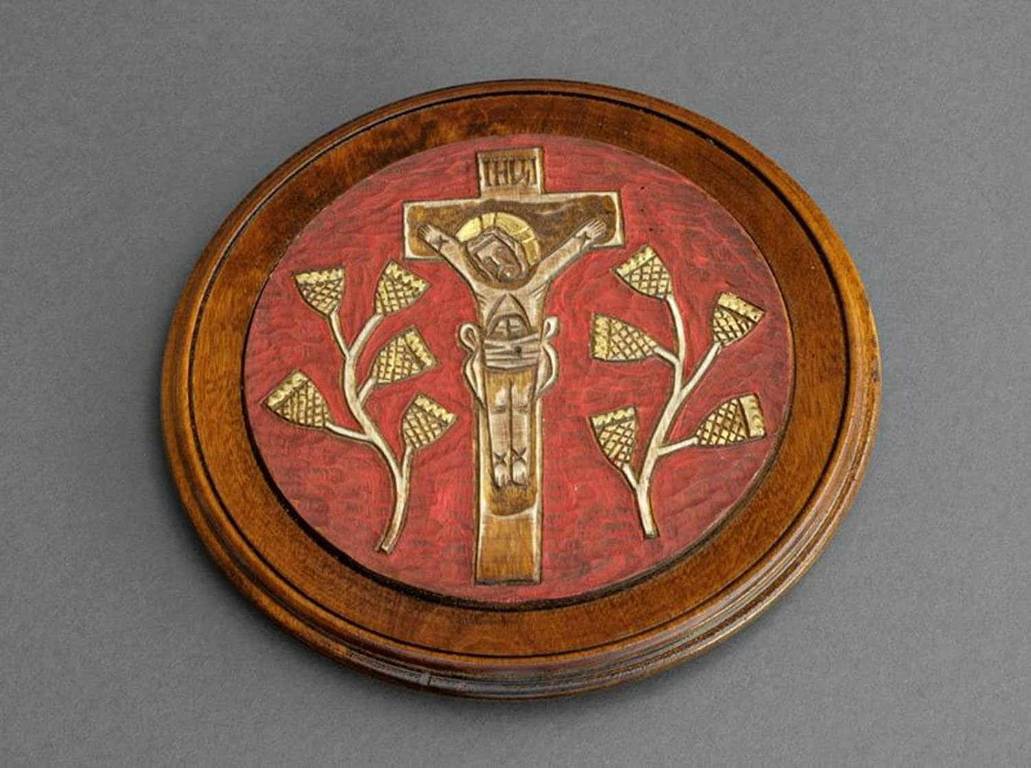 Decorative Plate With An Image Of Crucifix