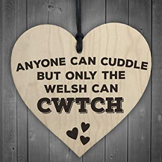Only The Welsh Can Cwtch Novelty Plaque Wales Hug Gift SignHeart Design Wood Hanging Sign Wall Door Plaque Sign Gifts