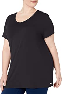 Amazon Essentials Women's Plus Size Tech Stretch Short Sleeve V-Neck T-Shirt