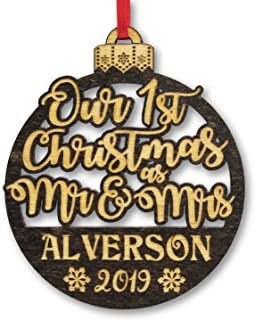 Our First Christmas As Mr & Mrs Custom Holiday Item Ornament Gift for Newlywed Couples 1st Tree Decoration Engraved Rustic Wood Gifts New House Bride Groom Bridal Shower Favor