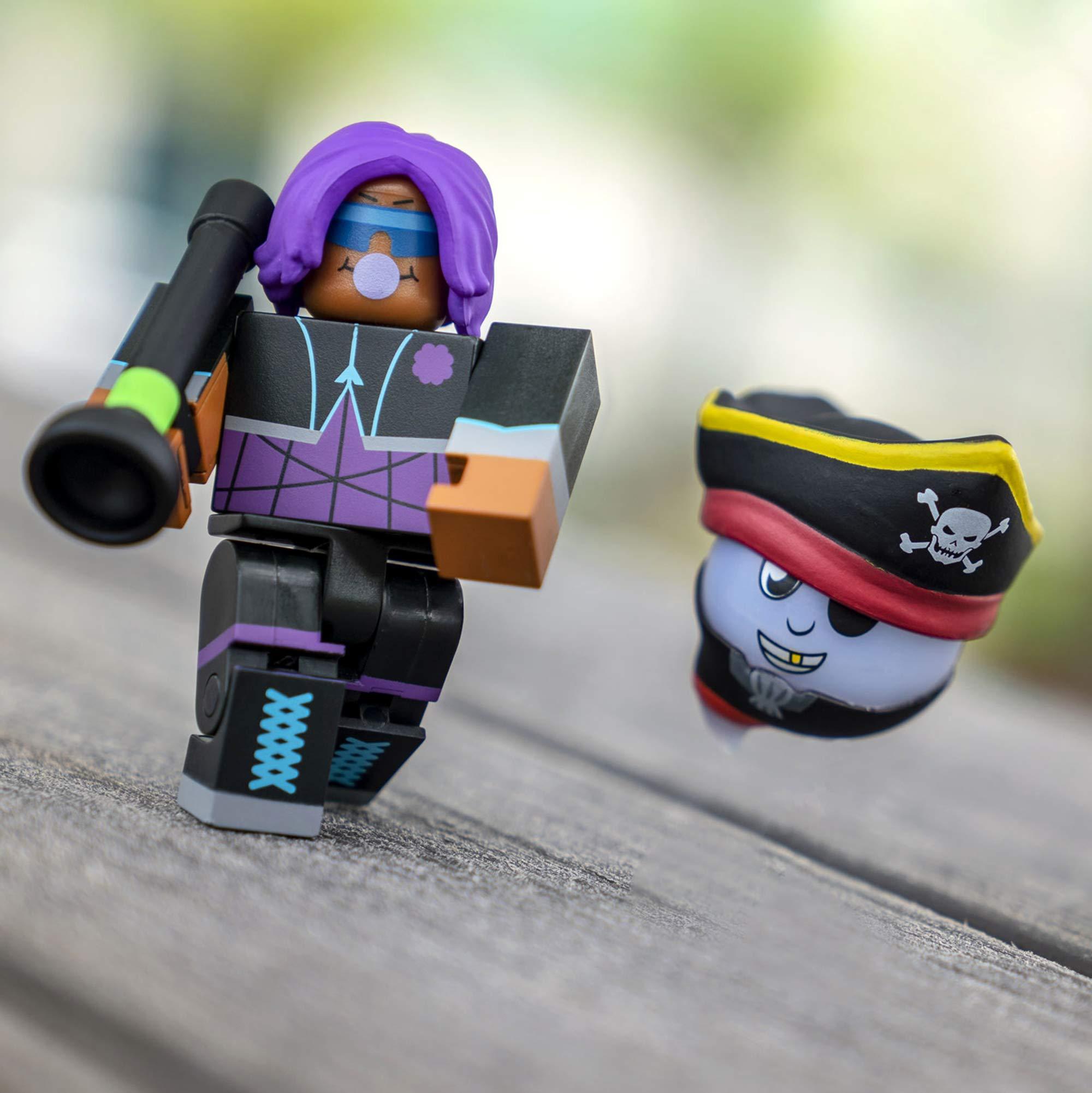 Amazon Com Roblox Queen Of The Treelands Figure Pack Toys Games Amazon Com Roblox Core Figures