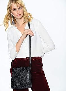 كالفن كلاين , حقيبة كروس للنساء بشعار الماركة , لون أسود