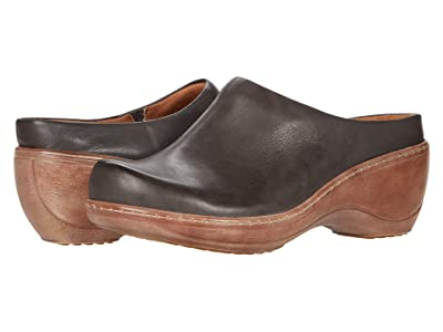 SoftWalk Madison (Dark Grey Leather) Women