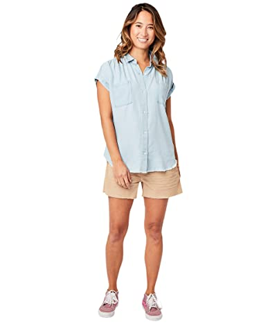 Carve Designs Huck Short Sleeve Shirt (Light Chambray) Women