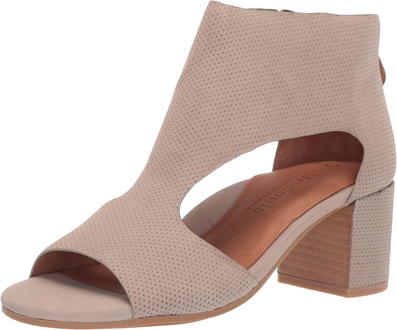 Gentle Souls Womens Charlene 2 Peep Toe T-Strap Mid-Heeled Sandal Heeled Sandal