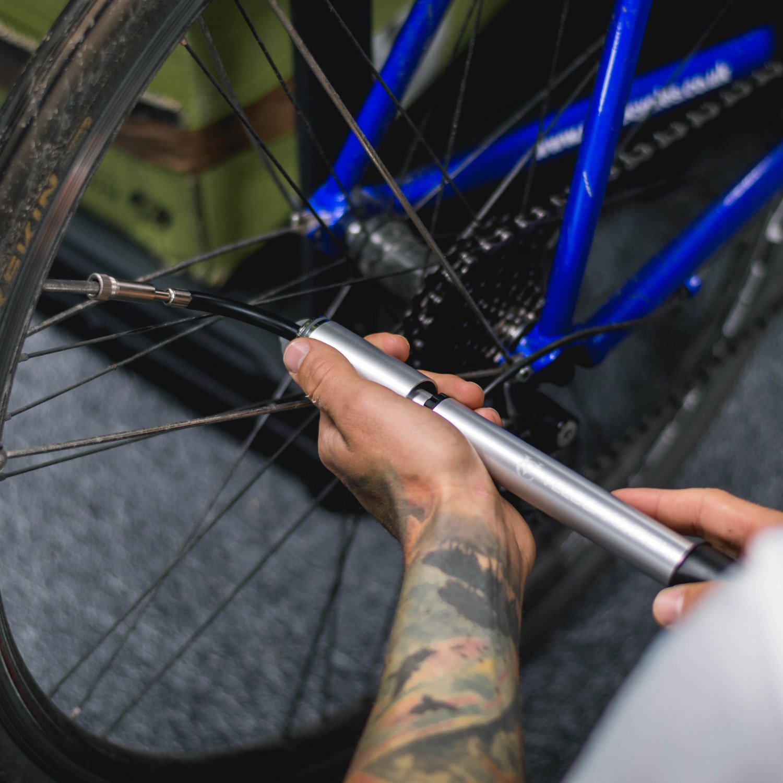 VeloChampion Bomba para Bicicleta Alloy Mini Extender - Negro ...