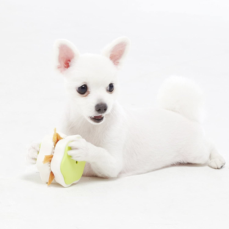 Blackhole Litter Mat Yogi Food Clip for Fun with Dog Treats, Food Dispenser Toy for Slow Feeding Pet (Green)