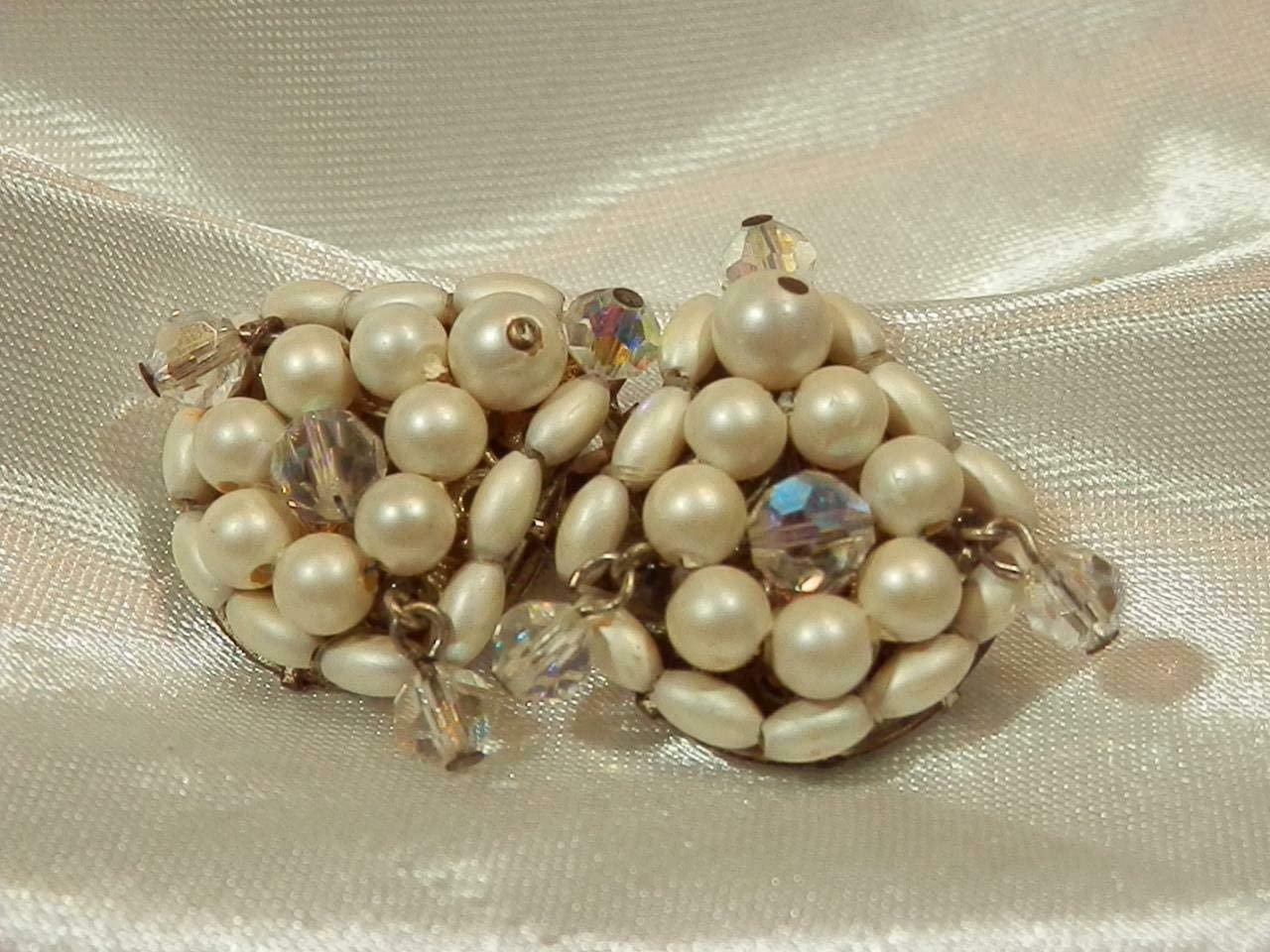 Vintage 50's Dripping AB Crystal Faux Pearl Very Pretty Clip On Earrings PU-6941