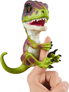 WowWee Untamed Raptor by Fingerlings Interactive Collectible Baby Dinosaur Stealth (Green) 【You&Me】 [並行輸入品]