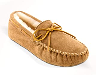 Minnetonka Men's Sheepskin Softsole Moccasin Slippers